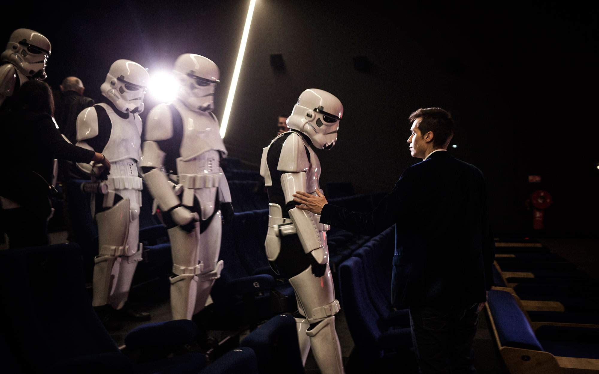 Escorted by a squadron of 4 Imperial Stormtroopers, 63 Star Wars fans from the United States were offered the opportunity of flying into Paris with Air France to see the latest Star Wars movie - The Force Awakens - 2 days before it goes on general release