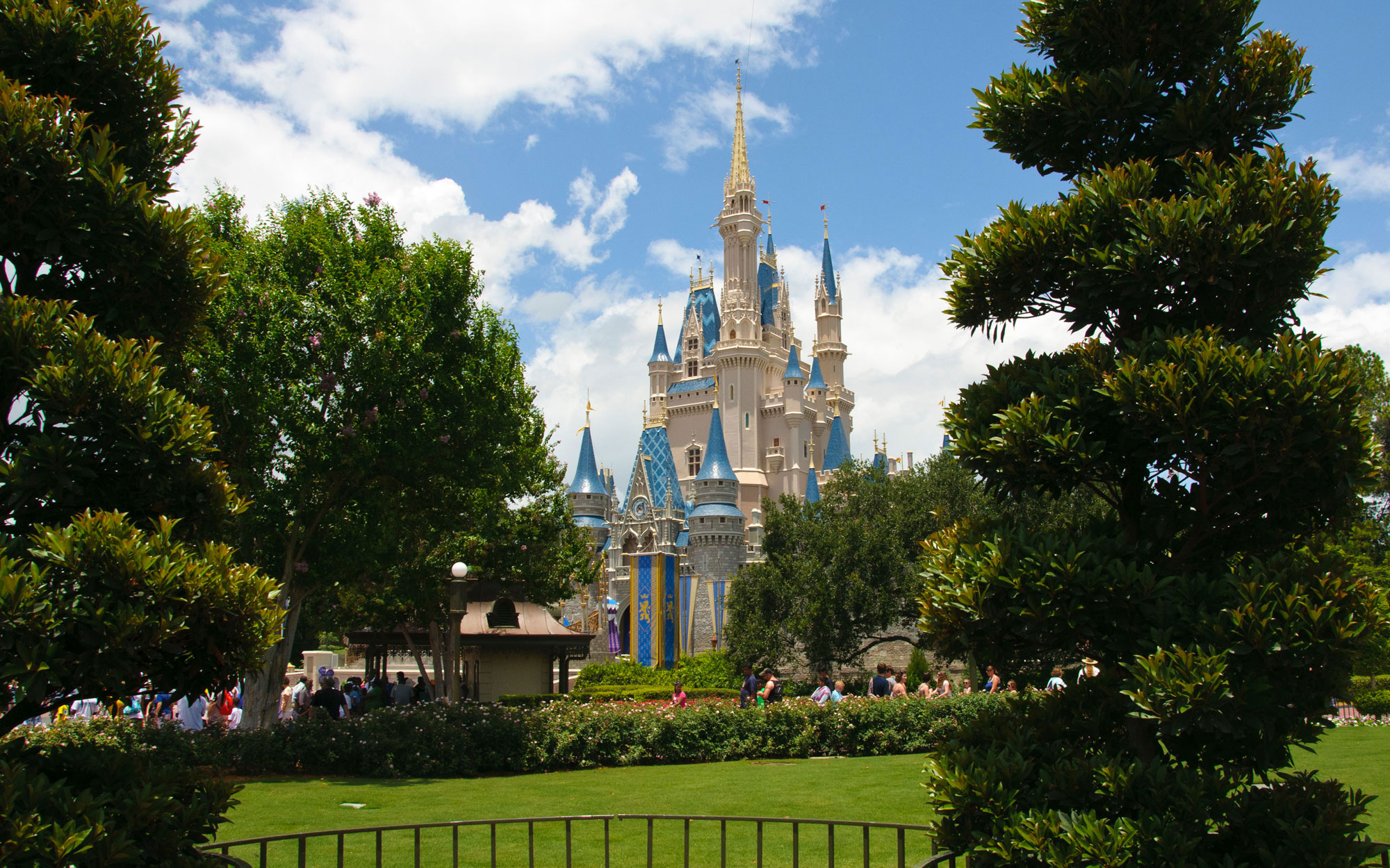 60 Foods Everyone Should Try at Least Once at Disney World | Travel