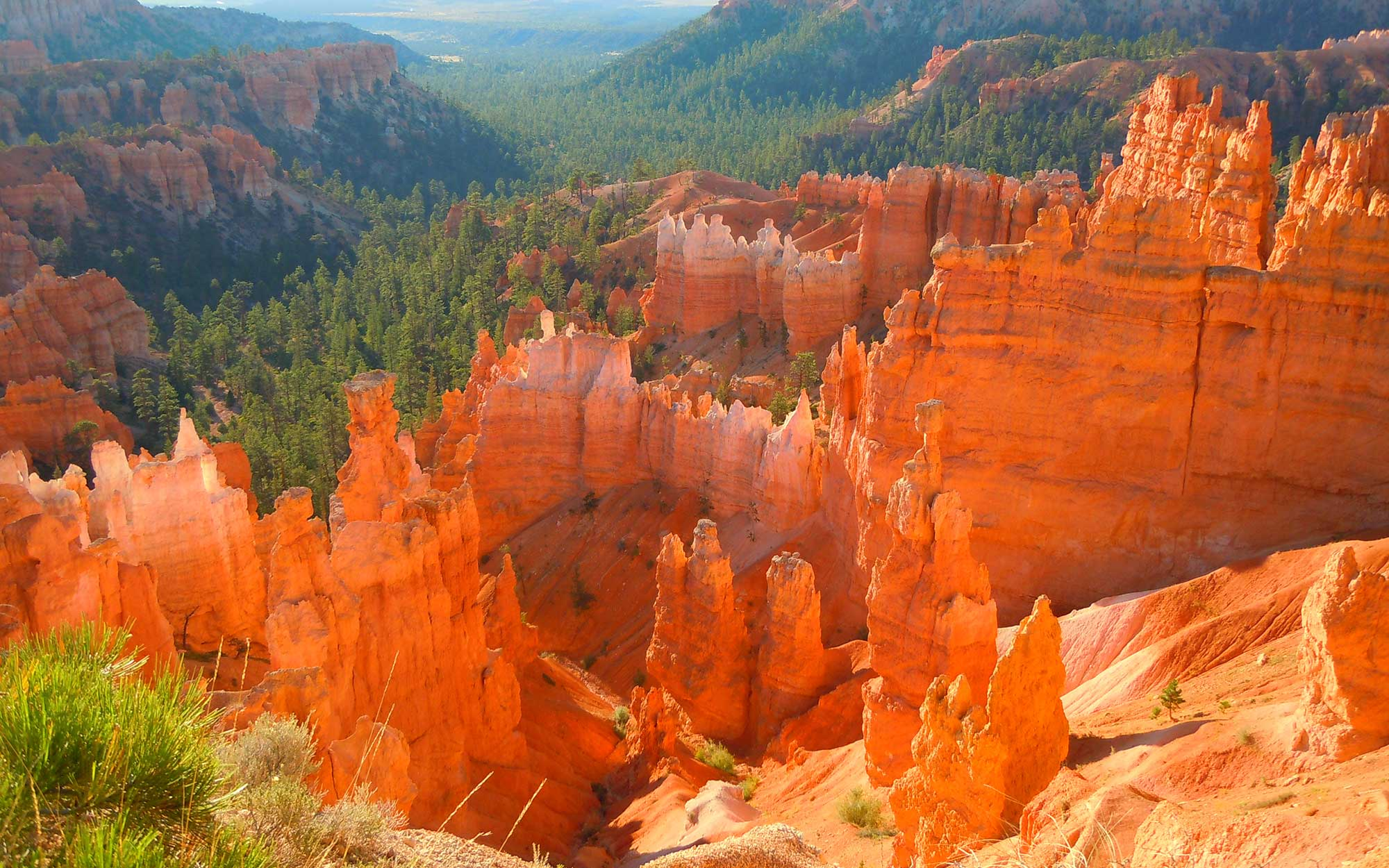 (GERMANY OUT) Die Morgensonne scheint auf die Felsengebilde im Bryce Canyon Nationalpark, aufgenommen am 20. August 2012.   (Photo by Gerig/ullstein bild via Getty Images)