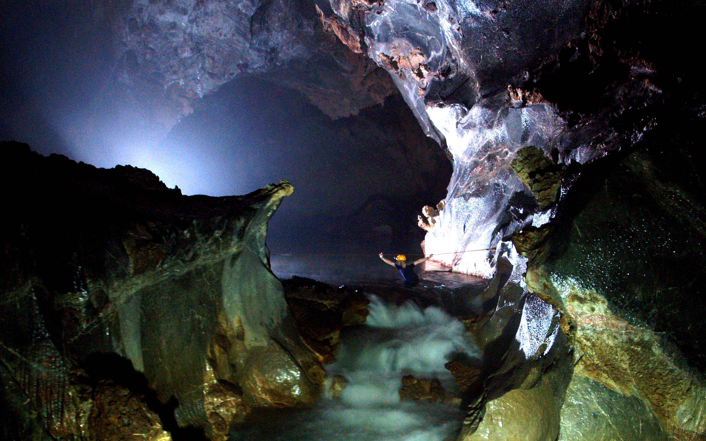 Vietnam's 'Infinite Cave' Already Has a Two-year Wait List