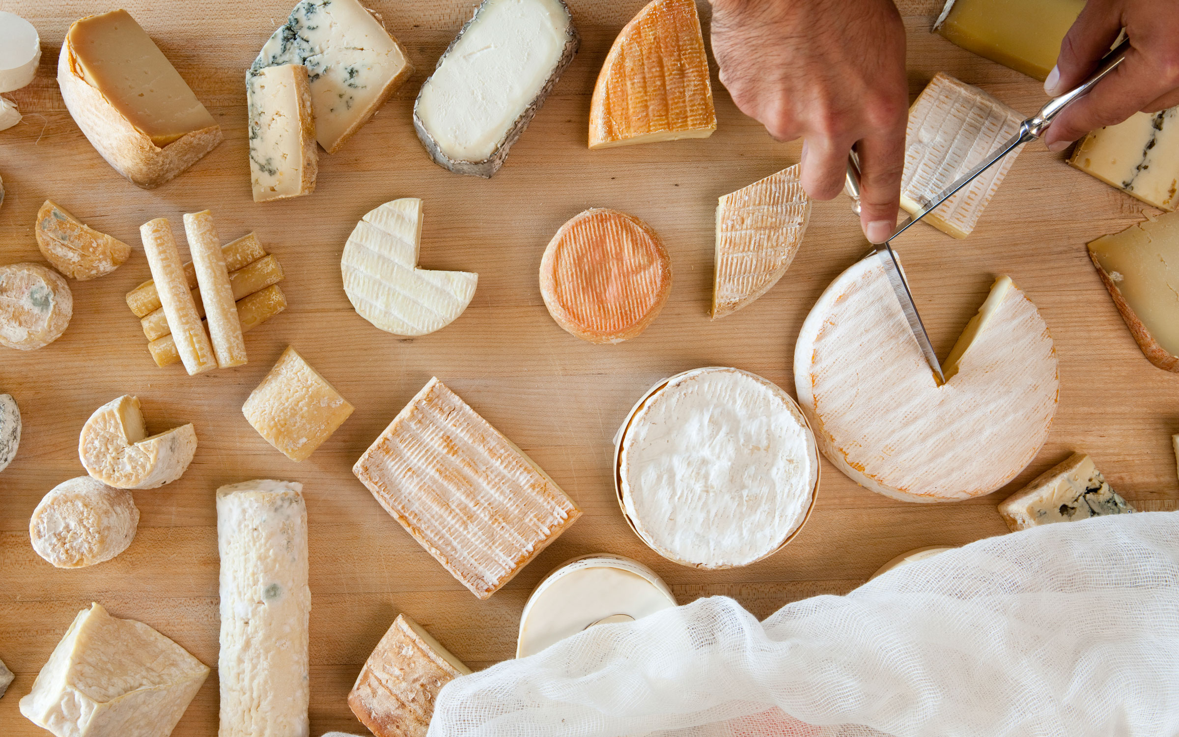 There's Now Proof That Eating Cheese Makes Wine Taste Better