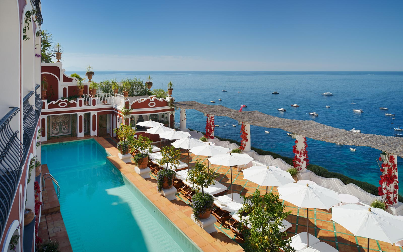 Rating of popular places to stay on the Italian coast (photo)