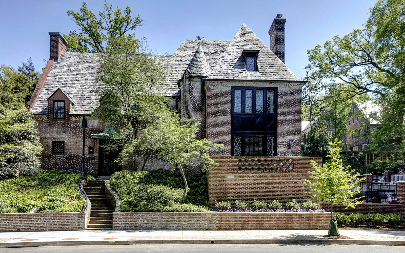 The Obamas just bought this D.C. house for $8.1 million