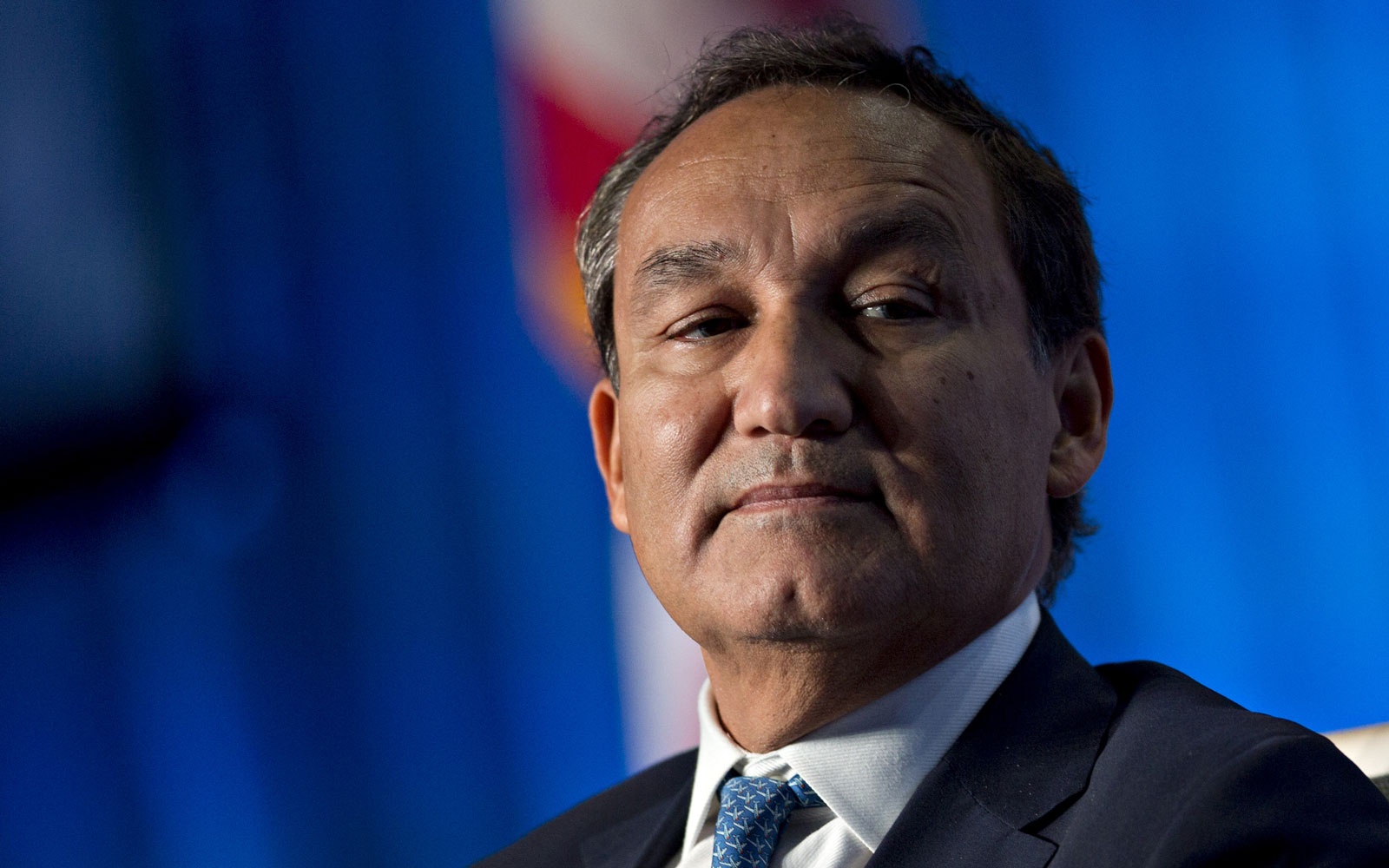 United Announces CEO Oscar Munoz Will Not Be Chairman Next Year