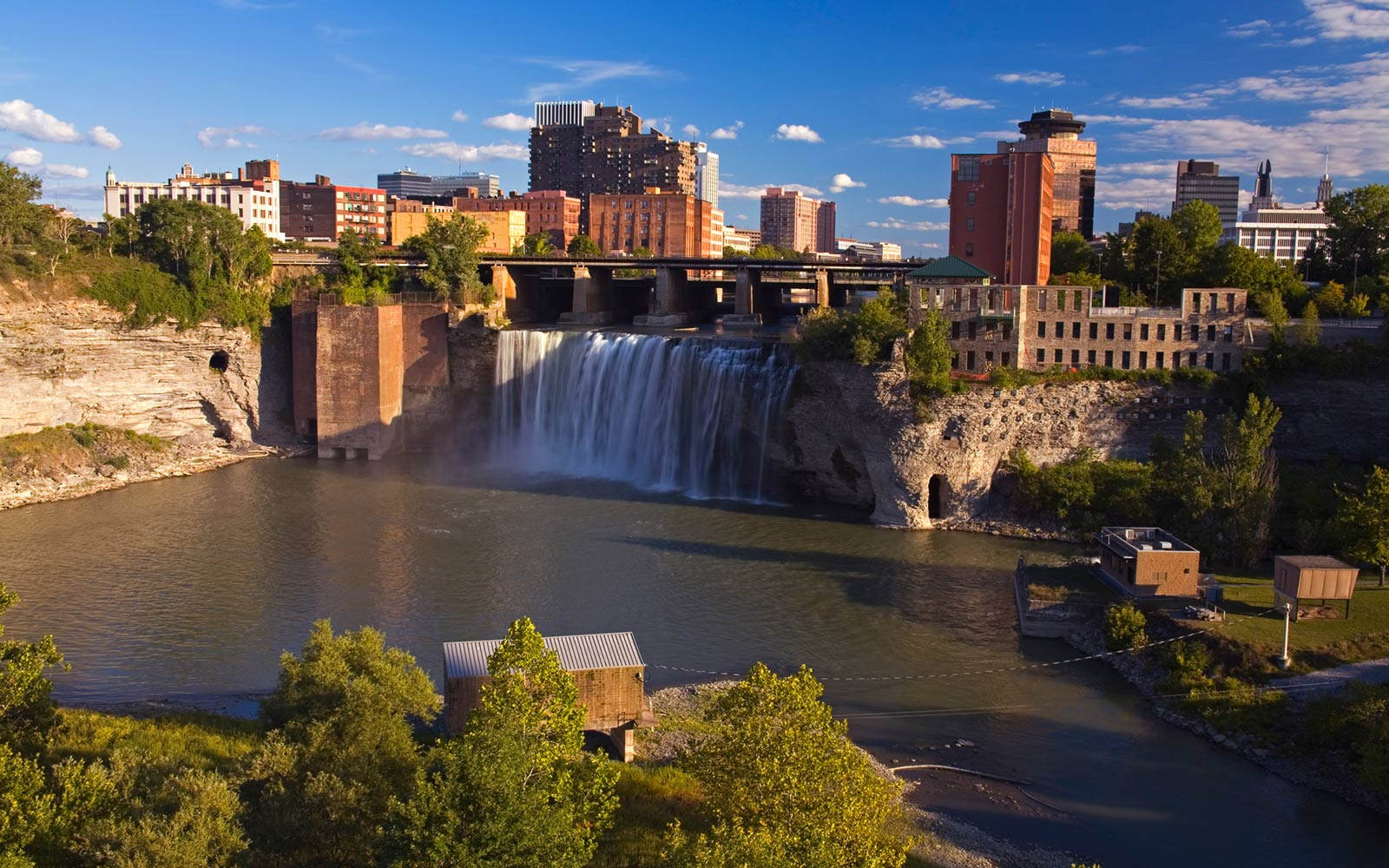 10 of the best American cities to live comfortably on $40,000 a year