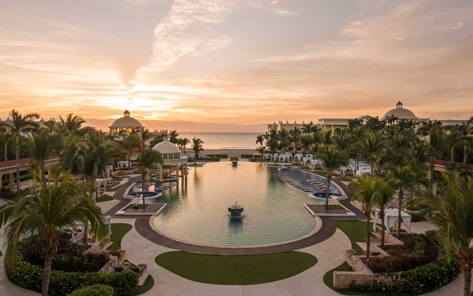 Save 30% on an All-Inclusive Stay at Iberostar Grand Paraiso in Mexico's Riviera Maya