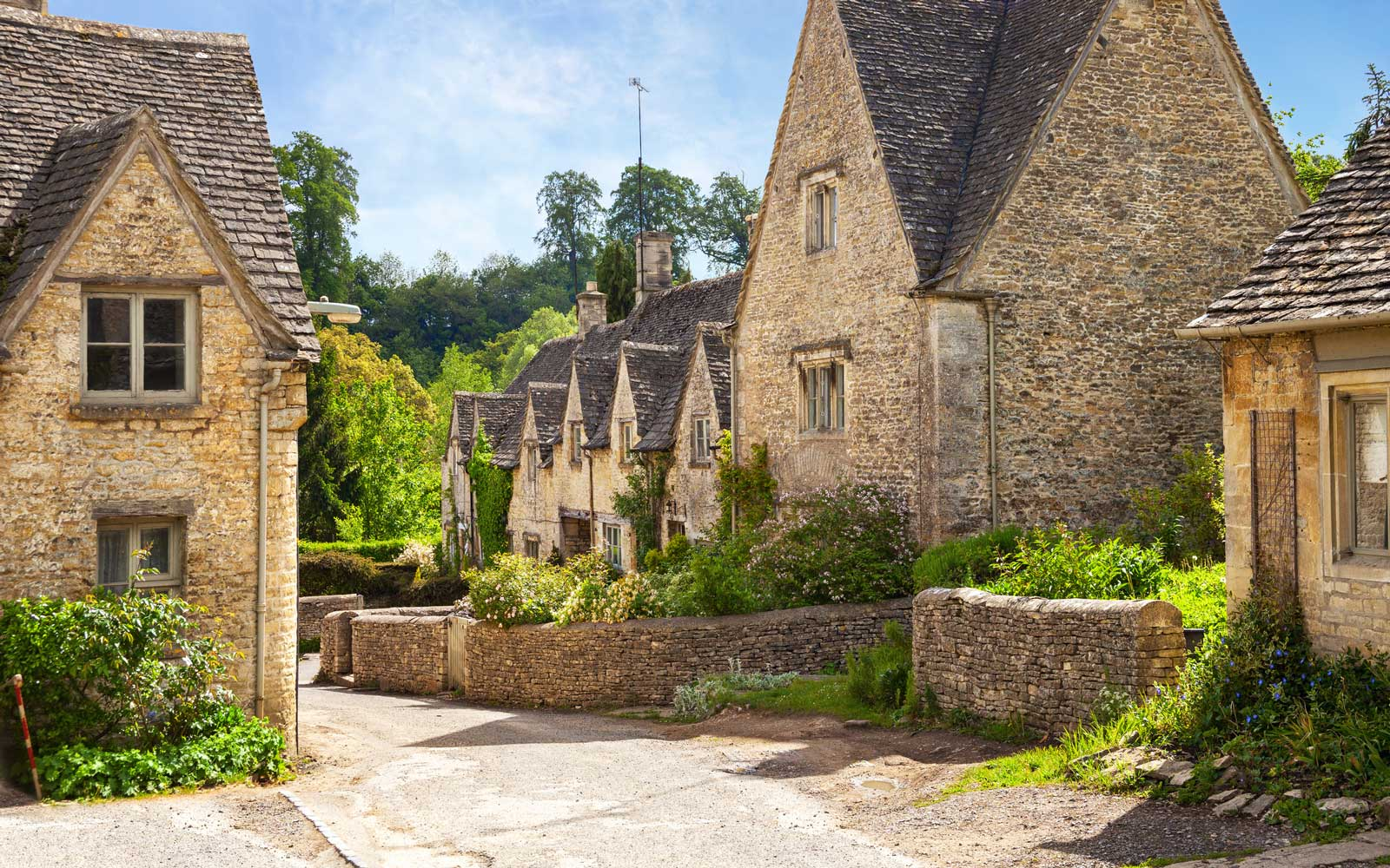 Save 30% on a Six-night Tour of London and the Cotswolds from Authentic Vacations