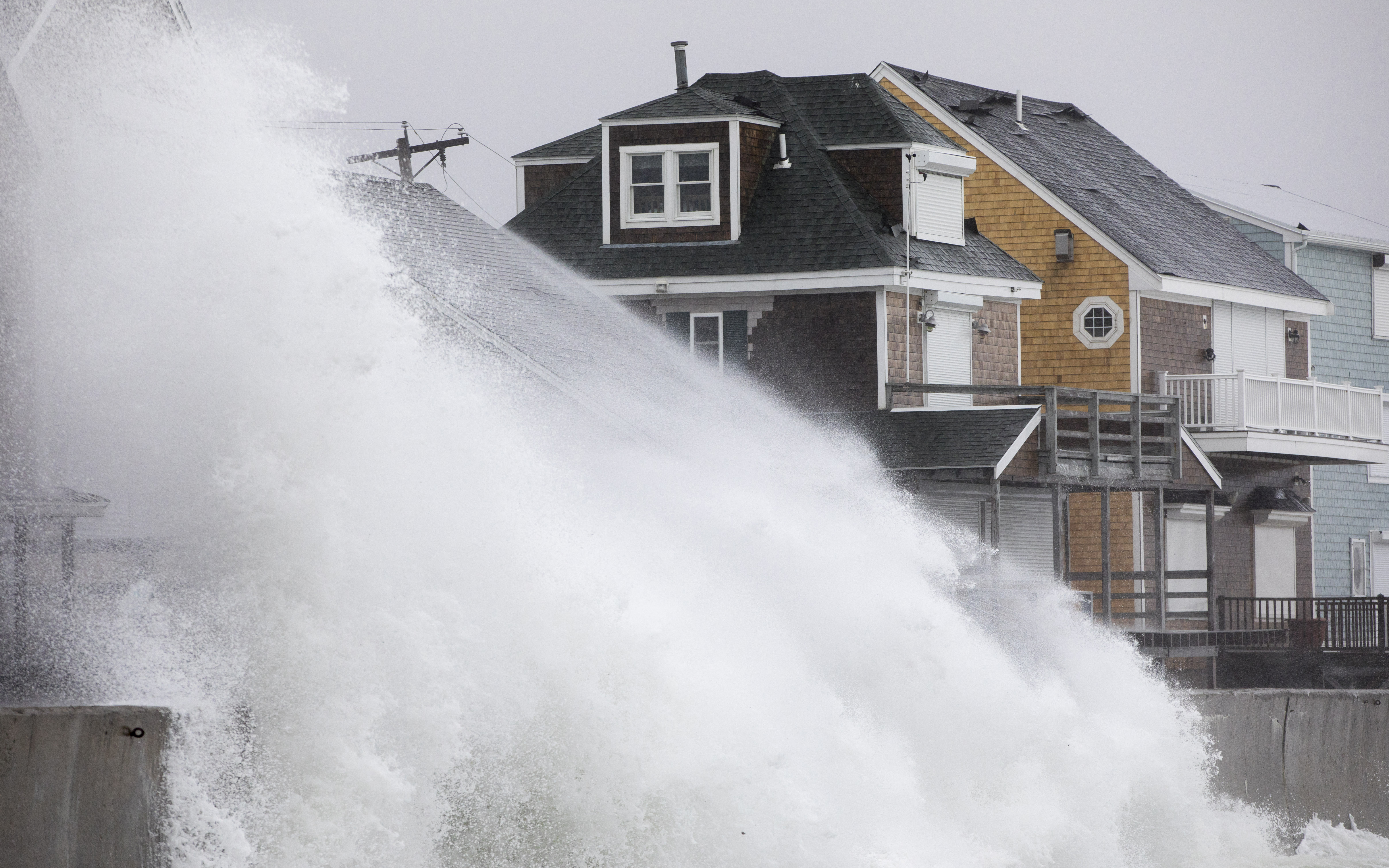 A Powerful Nor'easter Hit the East Coast This Weekend. Here Are 10 Intense Photos from the Storm
