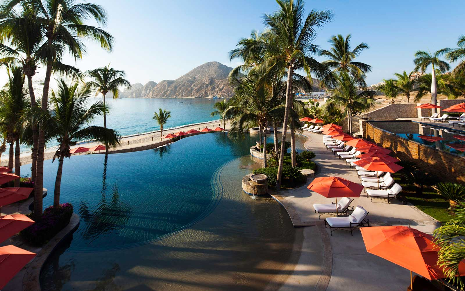 Enjoy 33% off Stays at This This Family-Friendly Beach Resort in Cabo San Lucas