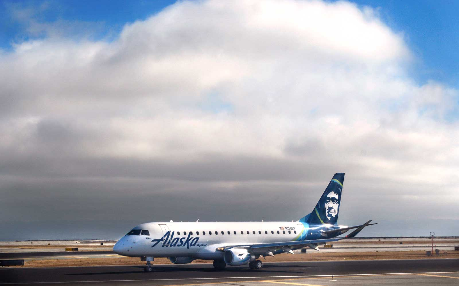 Alaska Airlines Wants to Quadruple Its Number of Black Women Pilots