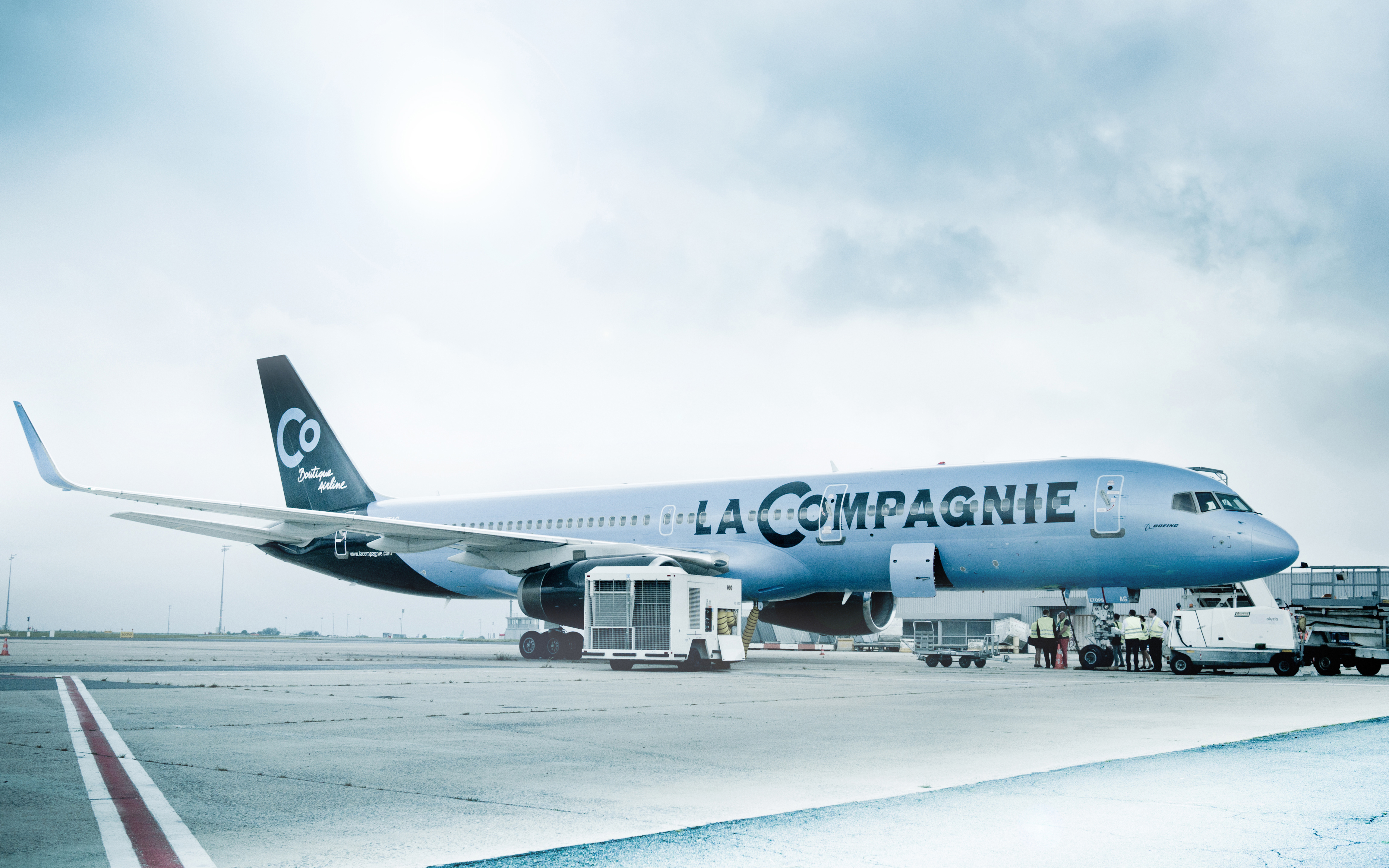 This Airline Is Selling $1,000 Business Class Seats to Paris
