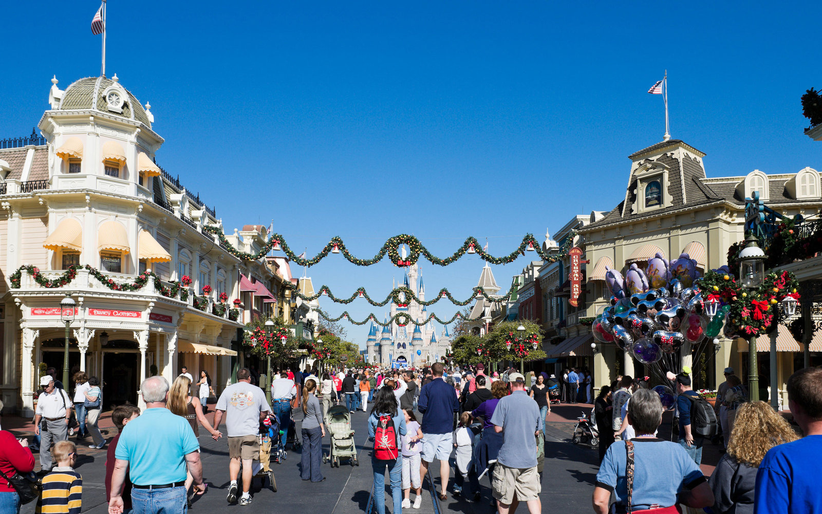 disney christmas travel tips - Disneyworld Christmas