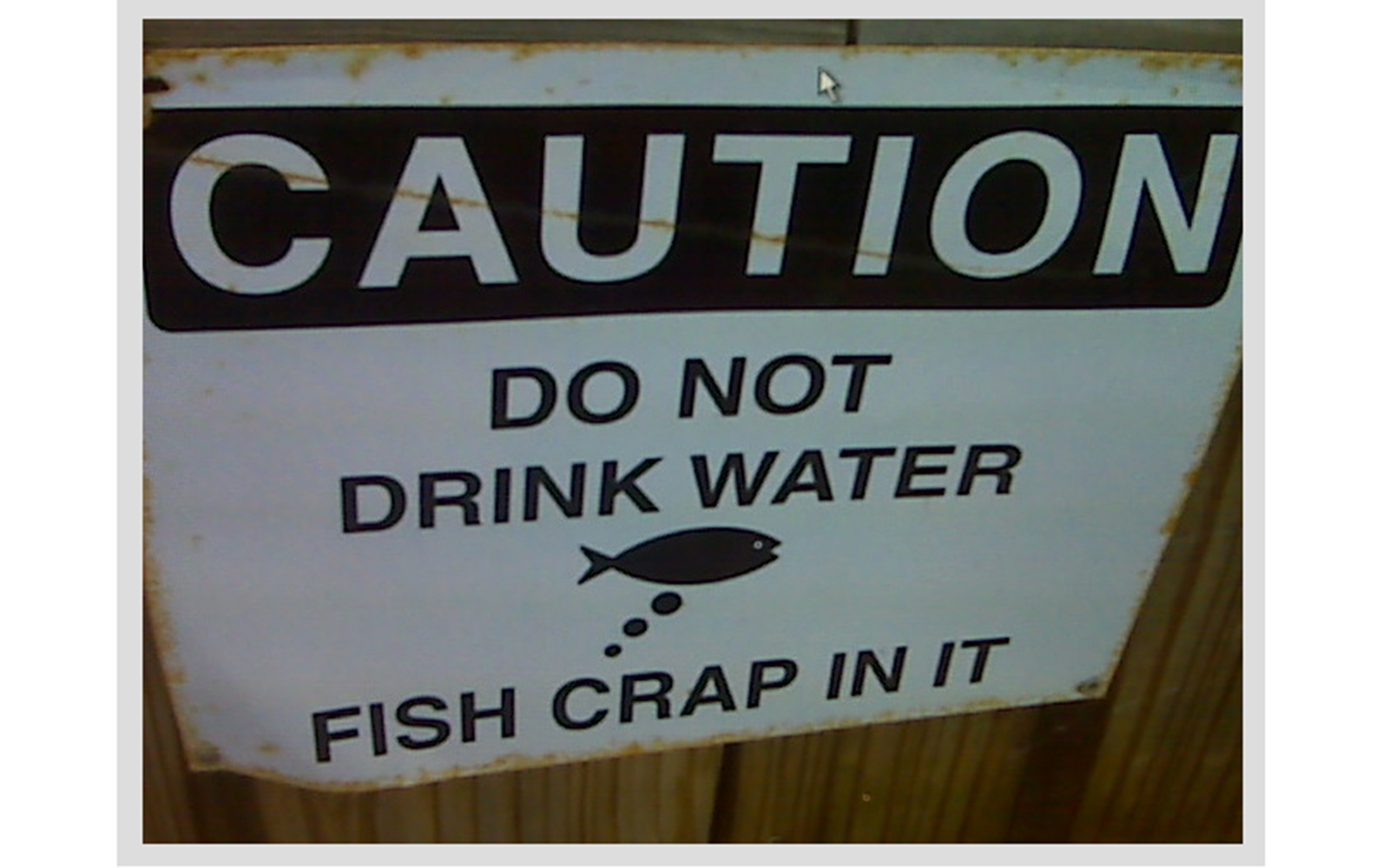 201209-w-funniest-signs-fish-crap
