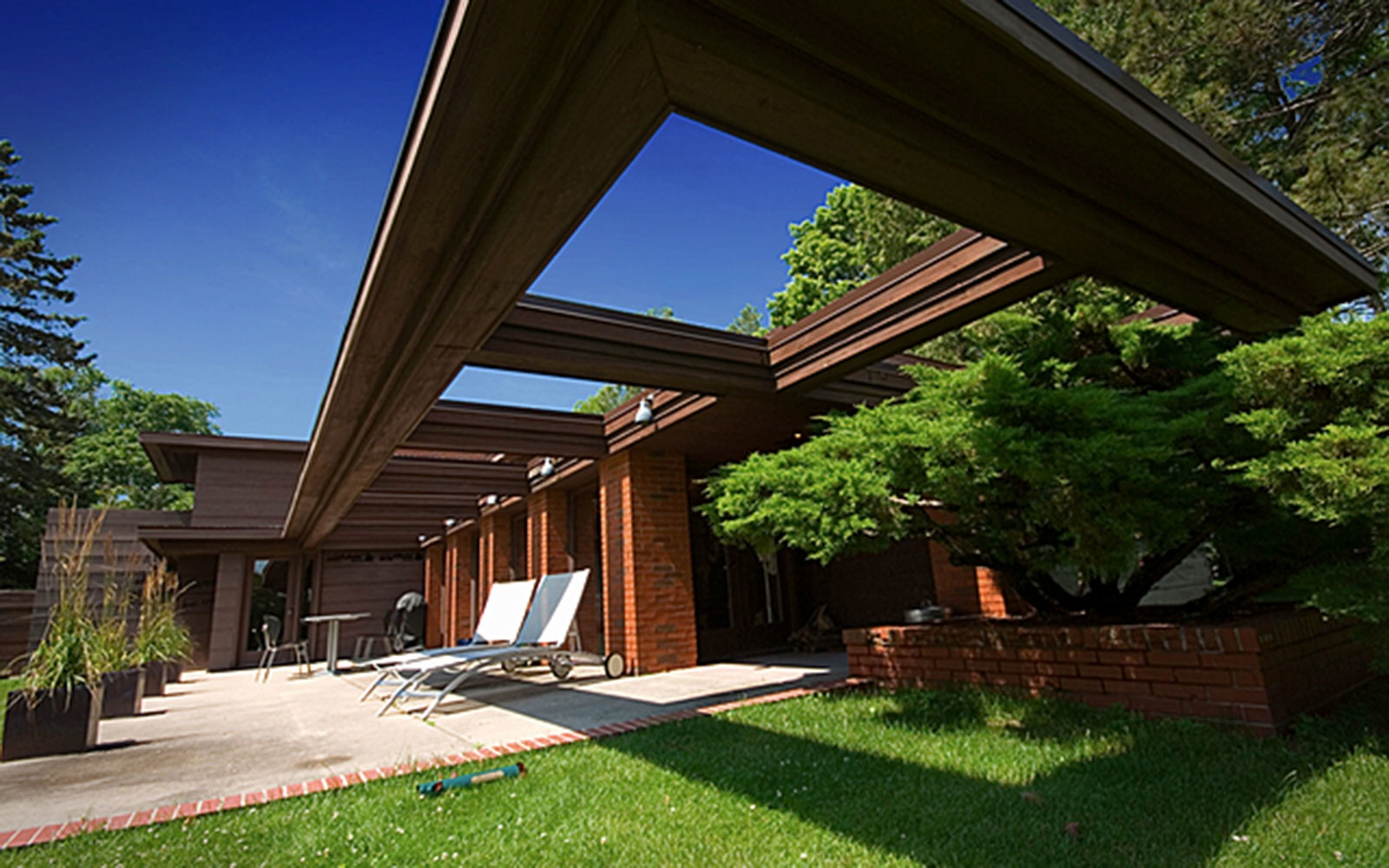 Frank Lloyd Wright's Schwartz House