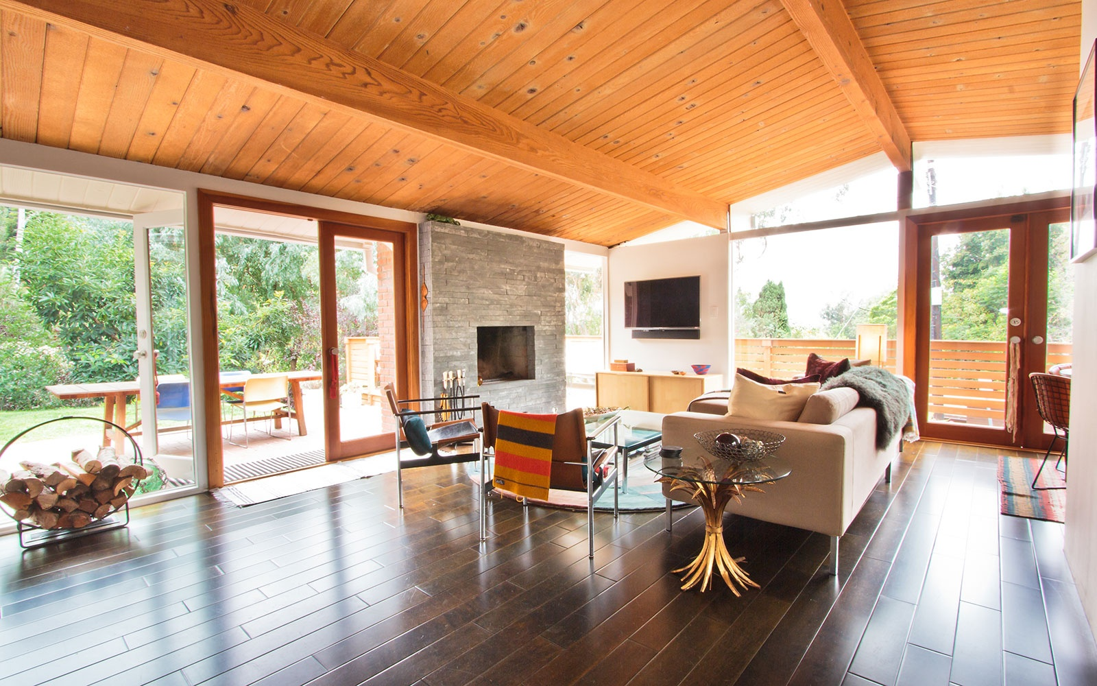 Midcentury Post-and-Beam by Val Powelson