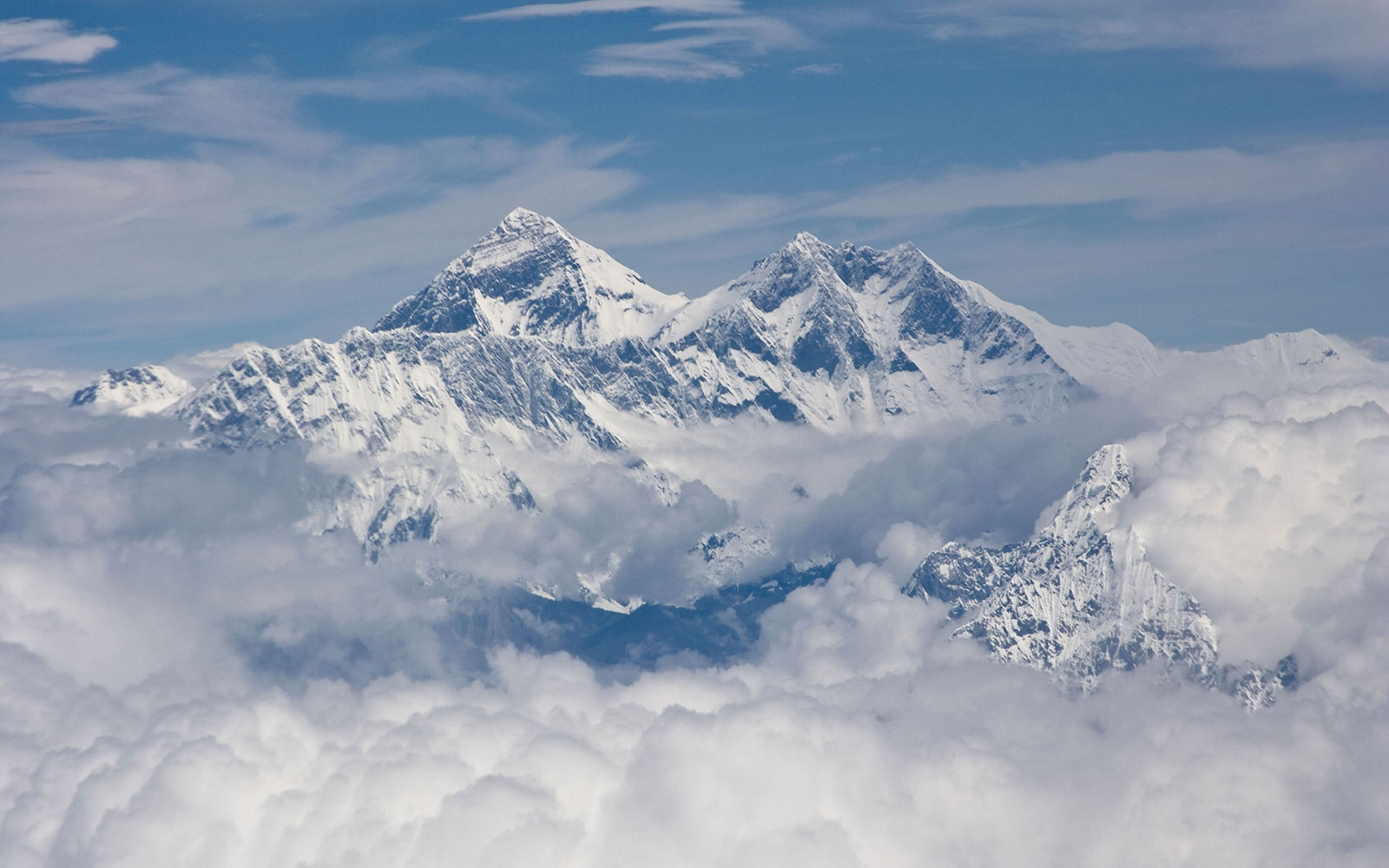 BAPPE3 Aerial view of Mount Everest