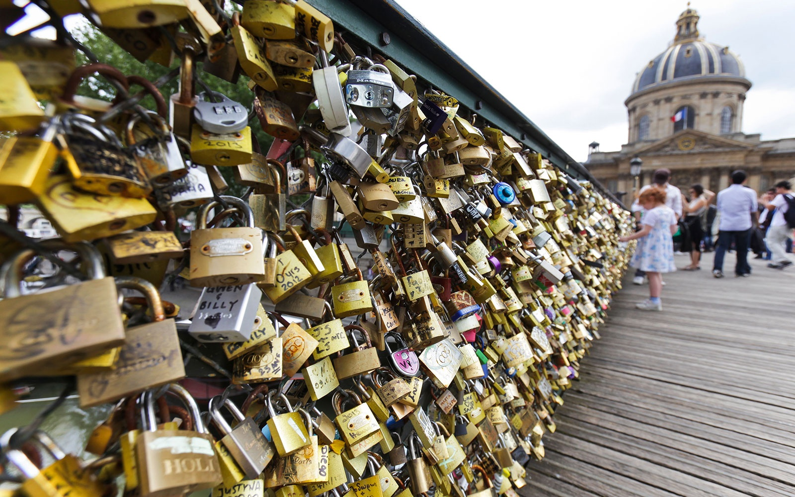 LOVELOCKS0515-paris.jpg