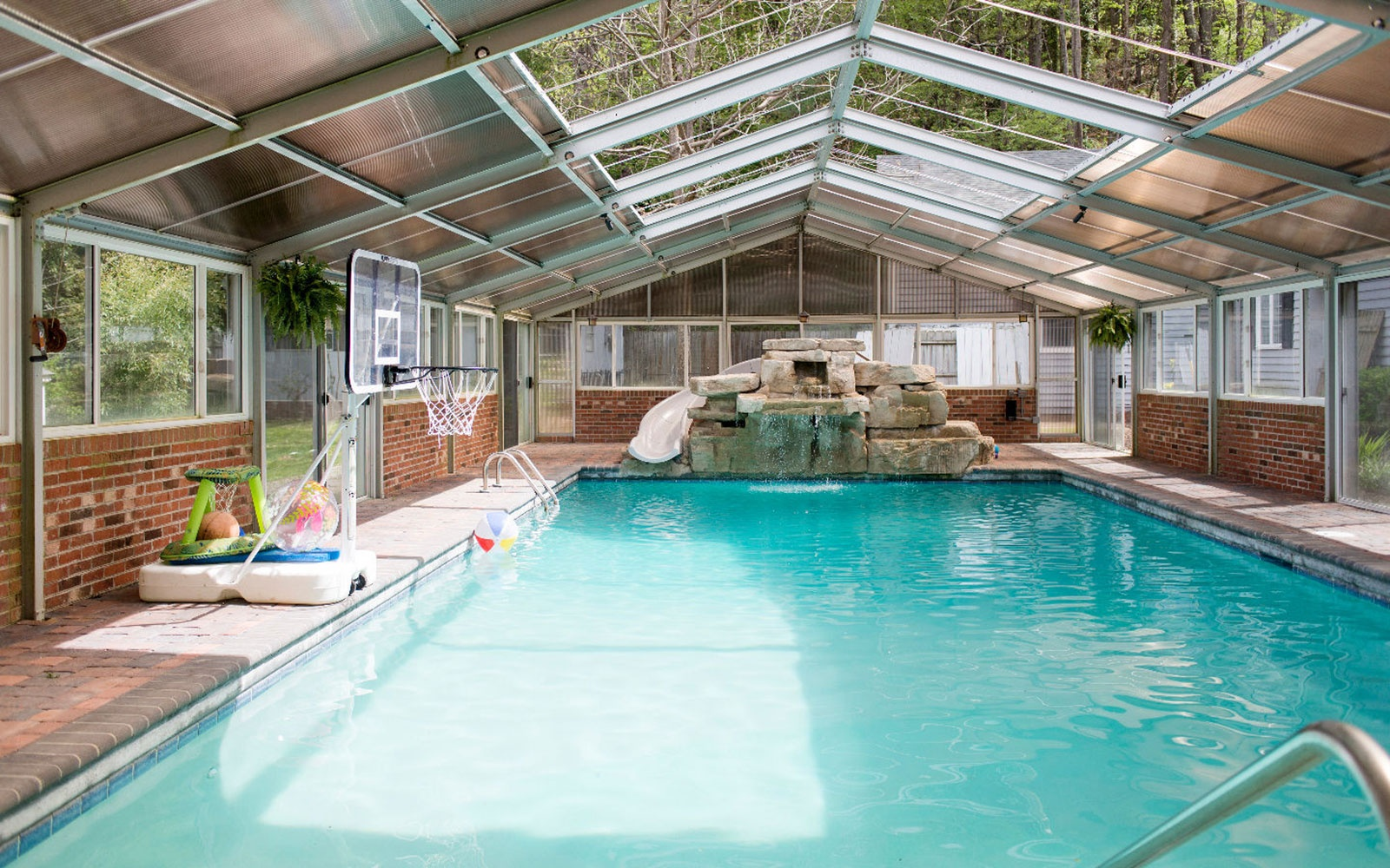 Waterslide House in Waynesville, NC, Sleeps 15