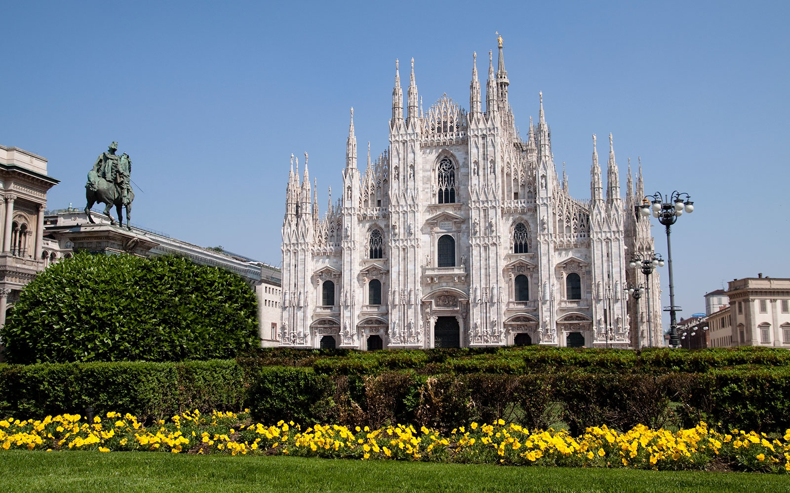 ATTRACTIONS0615-milan-cathedral.jpg