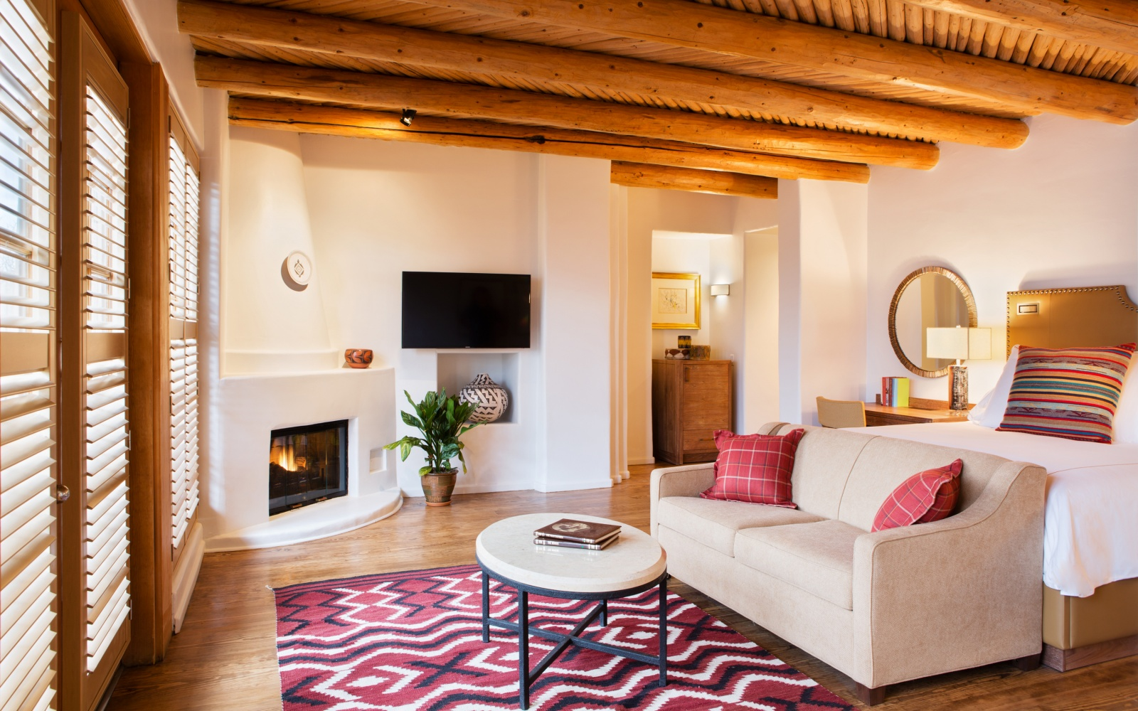 WBSMCITYHOTELS0715-rosewood-inn-of-the-anasazi.jpg