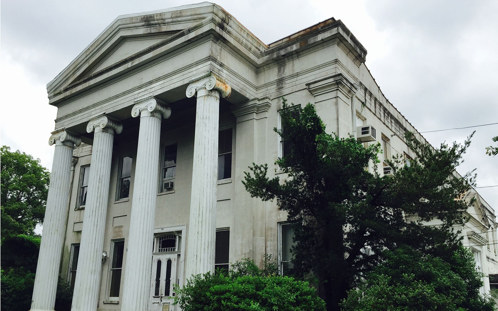 Carrollton Courthouse in New Orleans, Louisiana