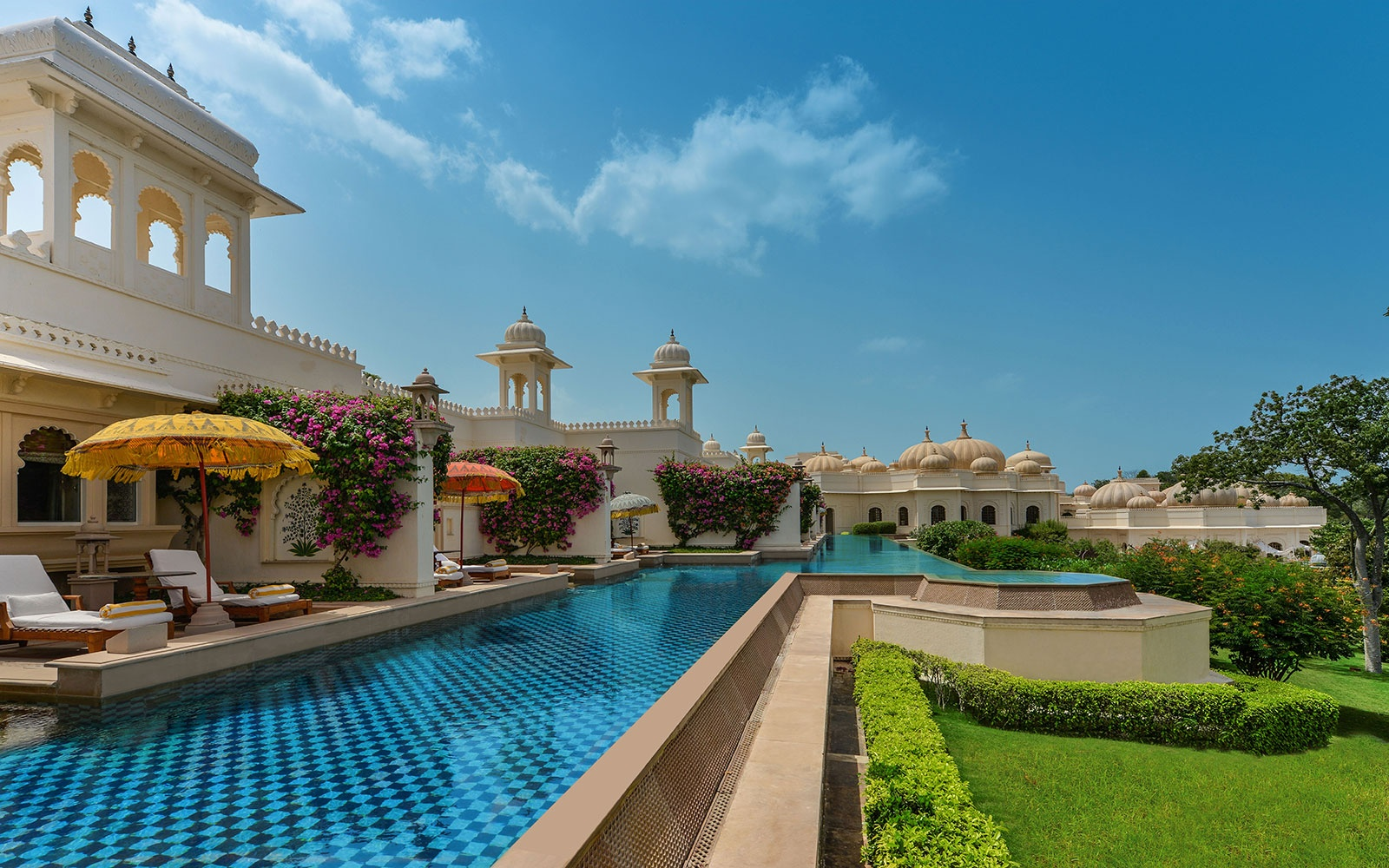 guest pool at The Oberoi Udaivilas, Udaipur, Rajasthan, India