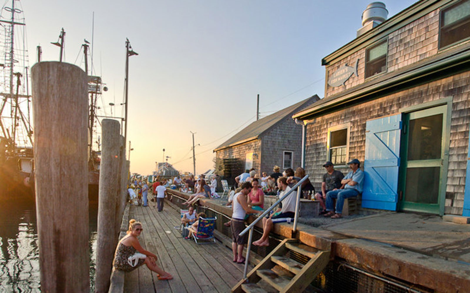 The best places to eat on martha s vineyard travel leisure for Fish market restaurant nyc