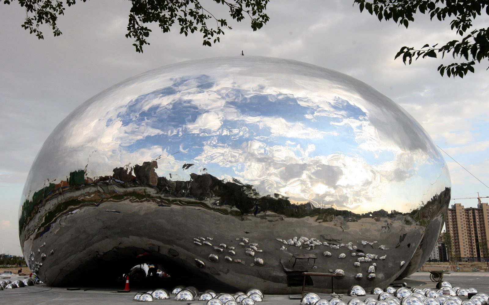 A New Public Sculpture in China Looks Just Like Chicago's Iconic Cloud Gate