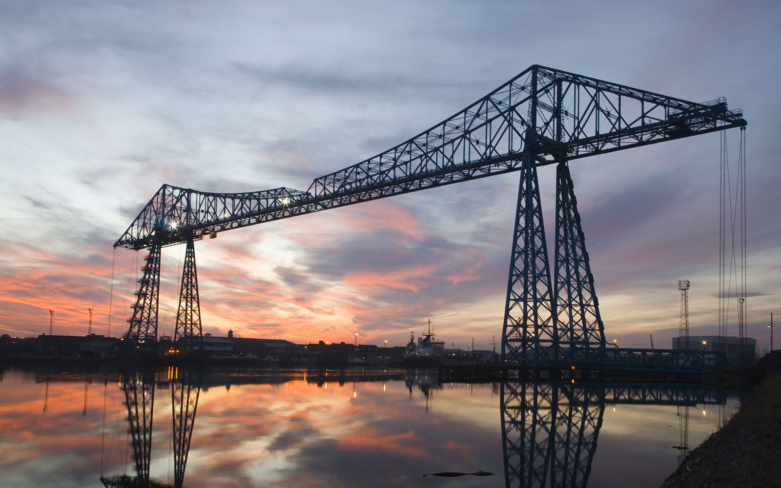Transporter-Bridge0815.jpg