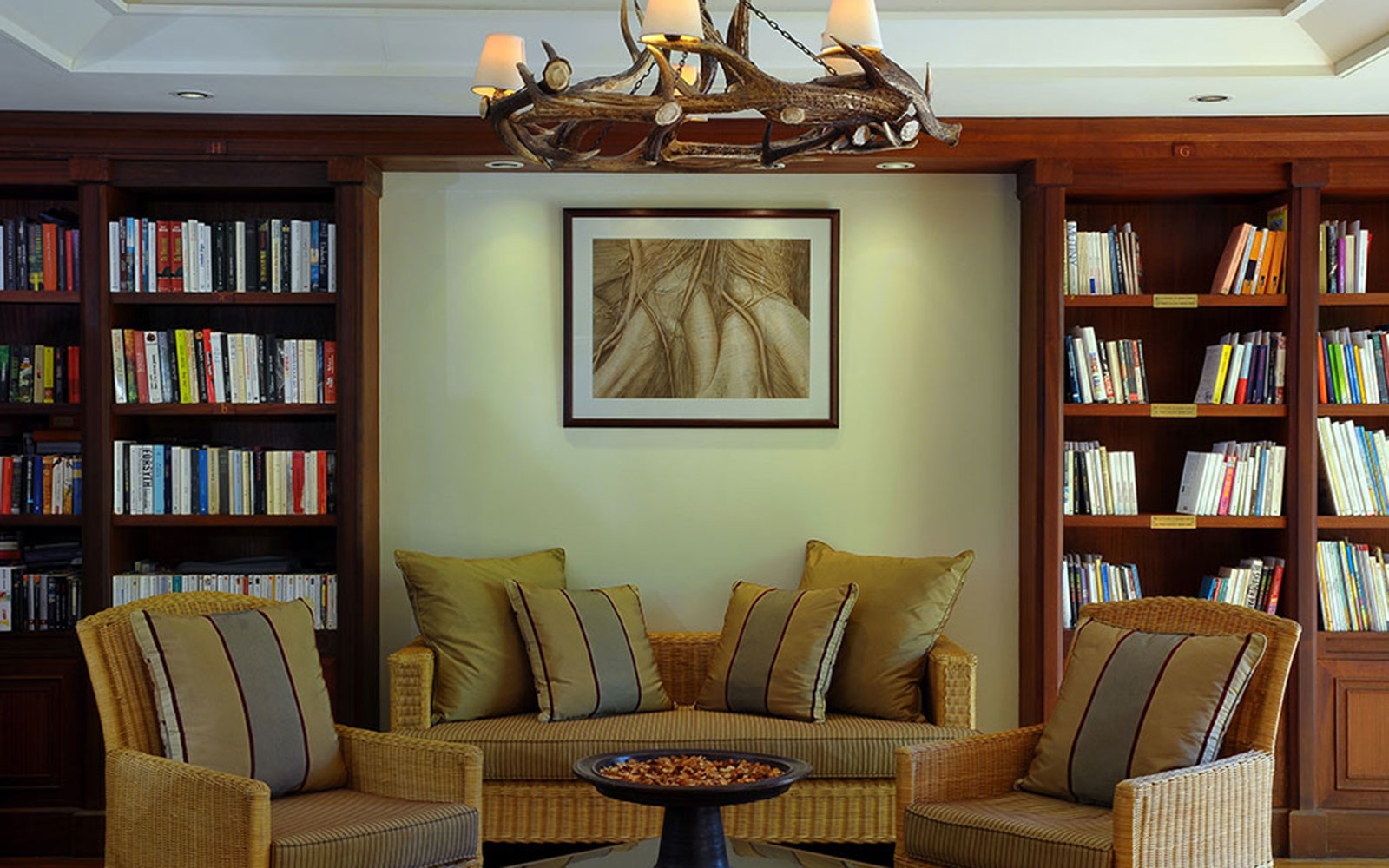 book lovers hotel