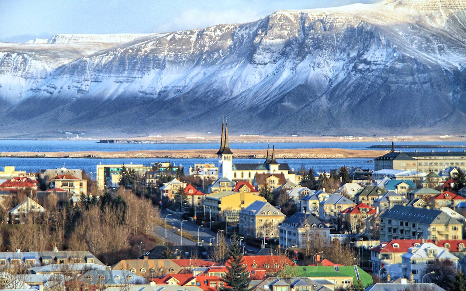 Reyjavek in winter, view of the town