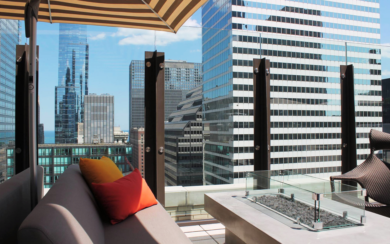 Hyatt centric the loop chicago hotels travel leisure for Spa getaways near chicago