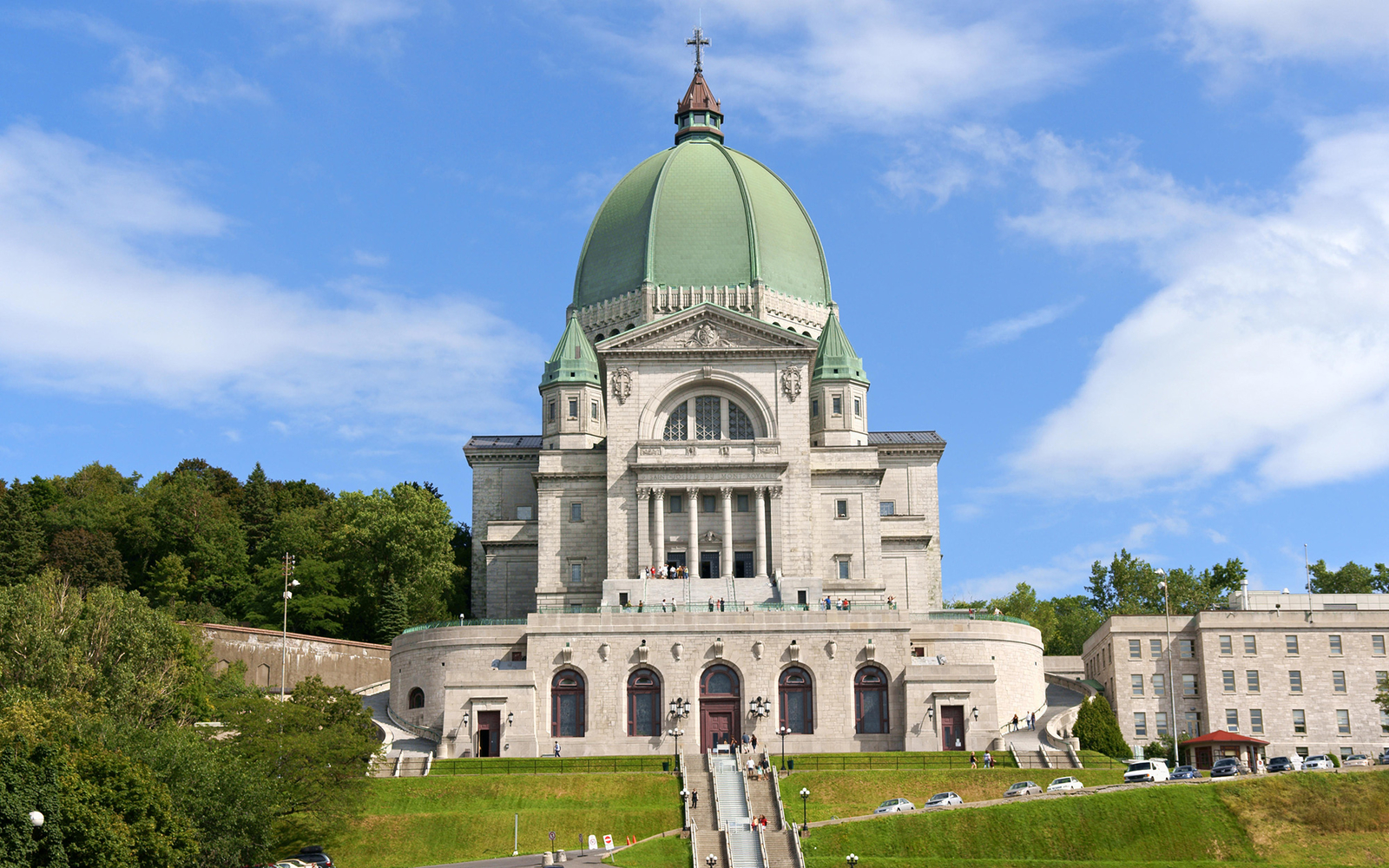 Montreal's Largest Basilica Has the Heart of a Saint (in a Jar)