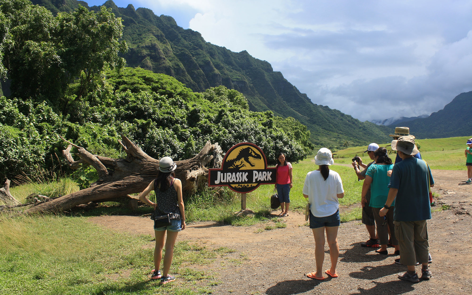 Picture-Perfect Movie Locations To Visit on Your Next Trip to Hawaii
