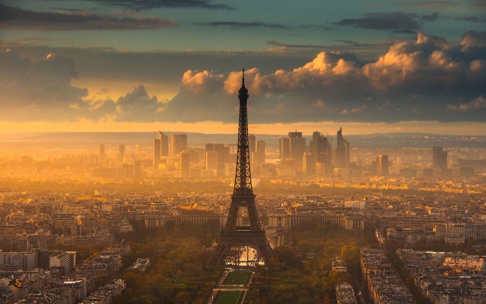 Sunset in Paris at tour montparnasse