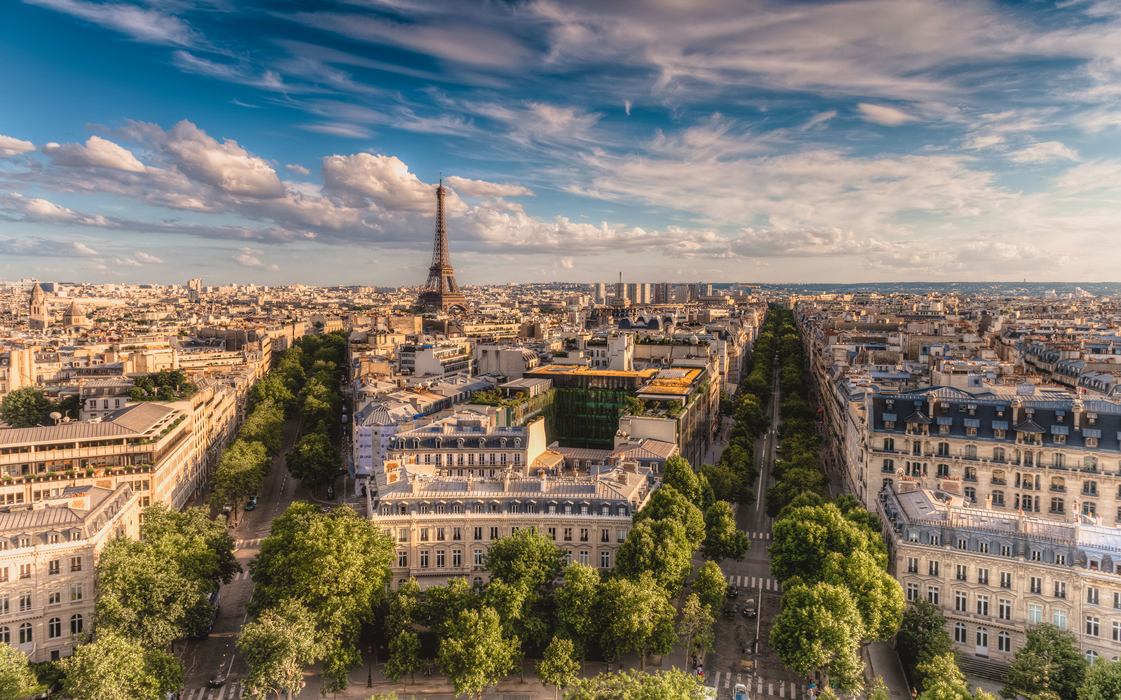 Mon Dieu! Paris on $25 a Day—It Can Be Done