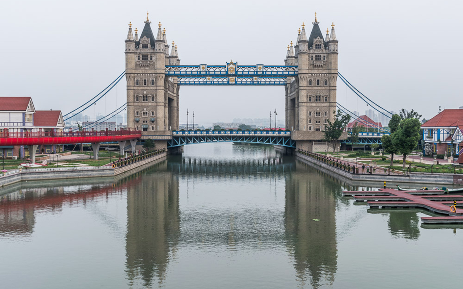 london bridge in china