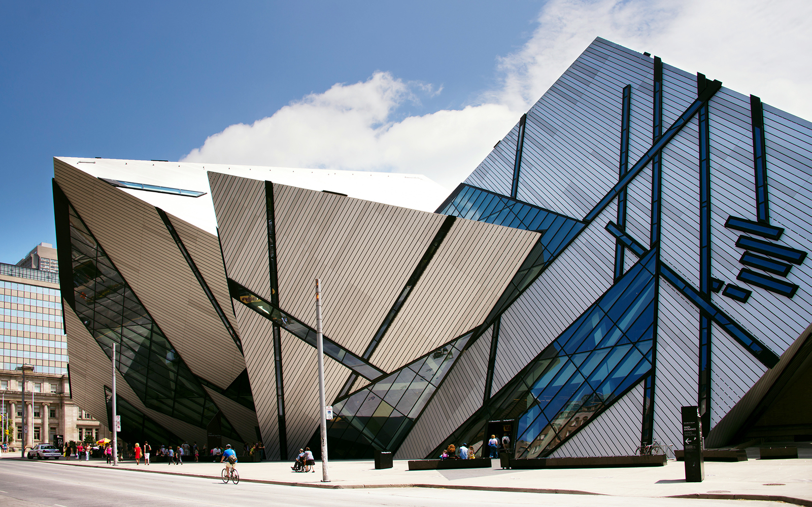 Royal Ontario Museum Travel Leisure