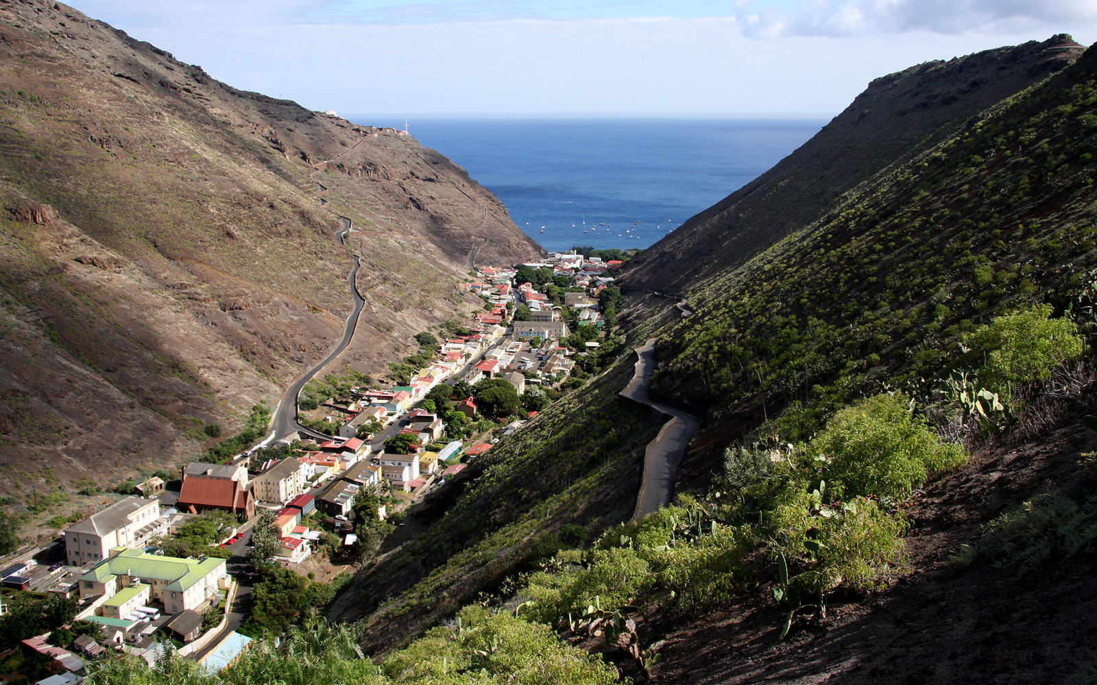 saint helena Saint helena island is in the eastern part of the south atlantic ocean and is one of the world's most isolated islands if you start crossing the atlantic due west from the border between namibia and angola, saint helena island will.