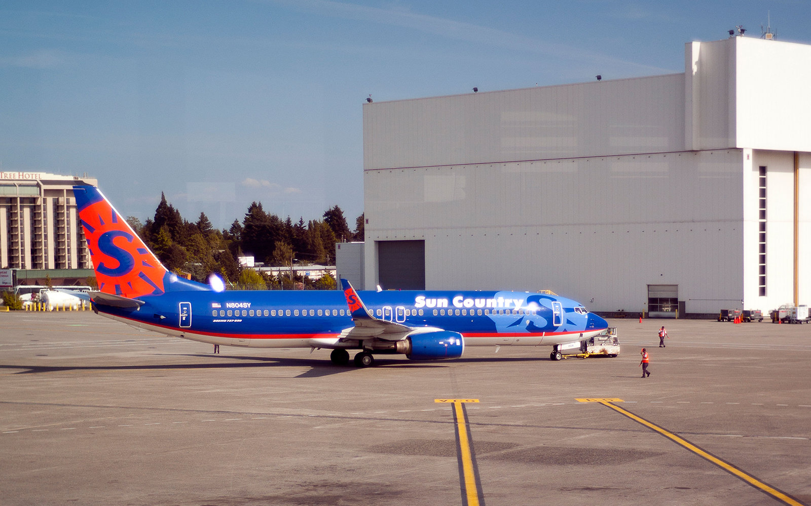 Boeing 737 at Sea-Tac airport in Seattle Washington Sun Country