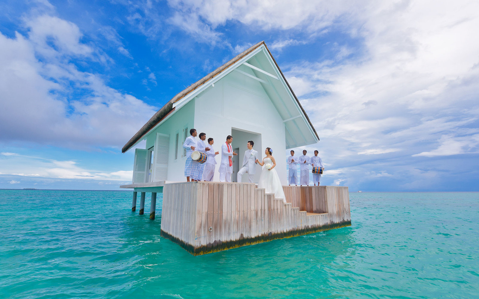 Get married in the middle of the ocean travel leisure for Best places to get married in illinois