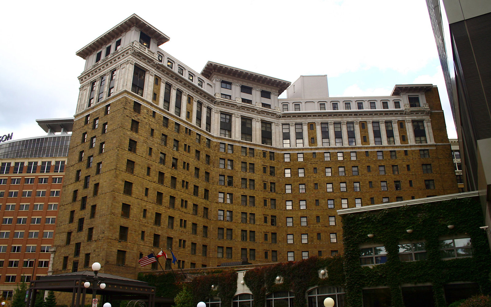 Minnesota: The Saint Paul Hotel