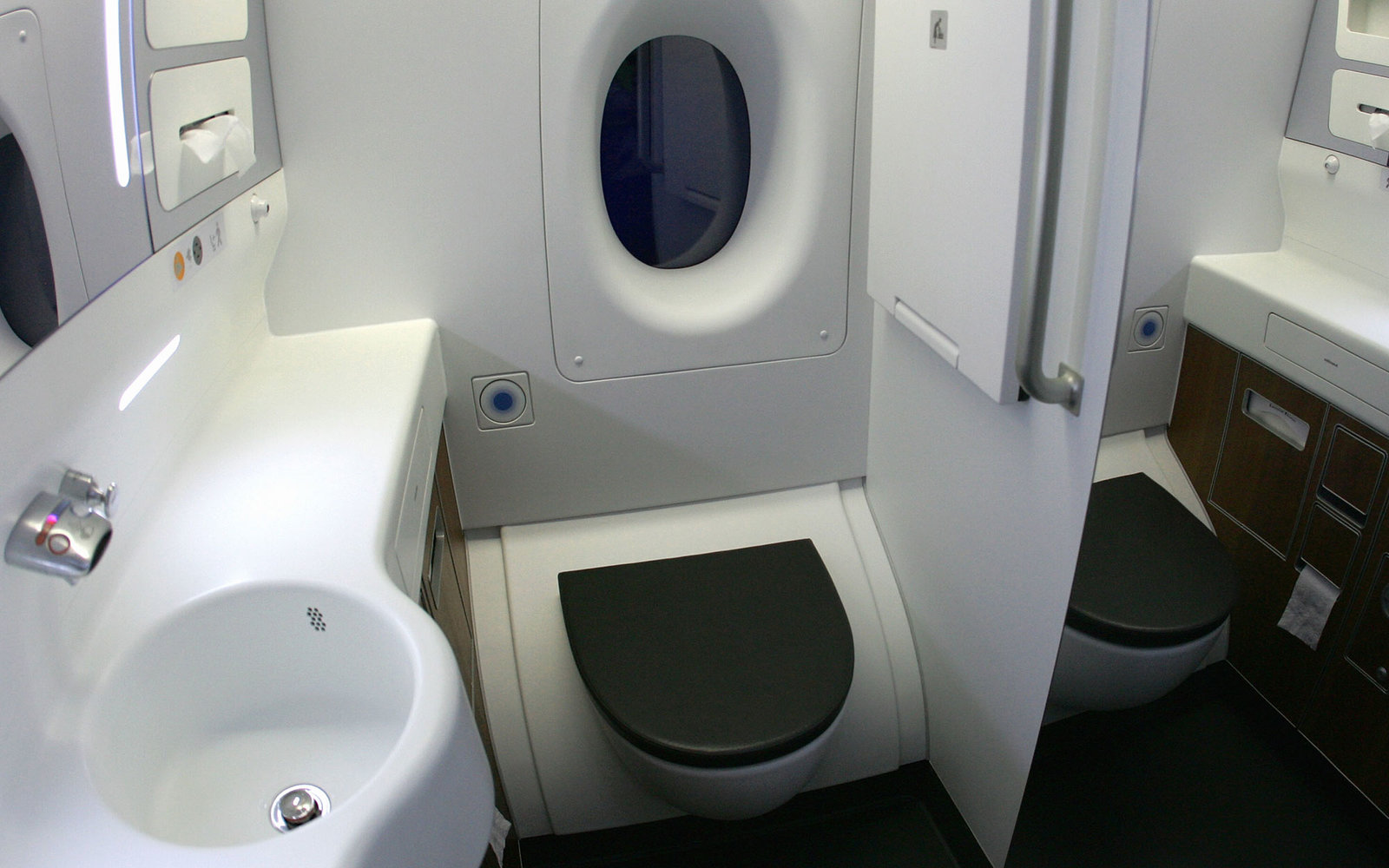SYDNEY, AUSTRALIA - SEPTEMBER 21:  A general view of the new lavatory onboard the new Qantas A380 flagship the  Nancy-Bird Walton' as she joins the Qantas fleet at Sydney Domestic Airport on September 21, 2008 in Sydney, Australia. The Qantas A380 will fe
