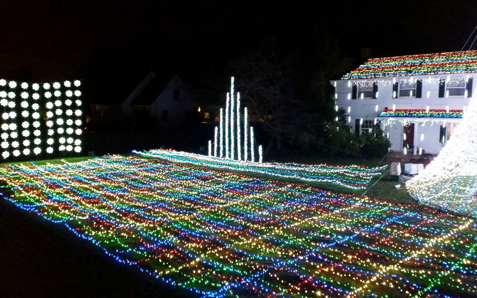 the best places to see christmas lights in every state - Newest Christmas Lights