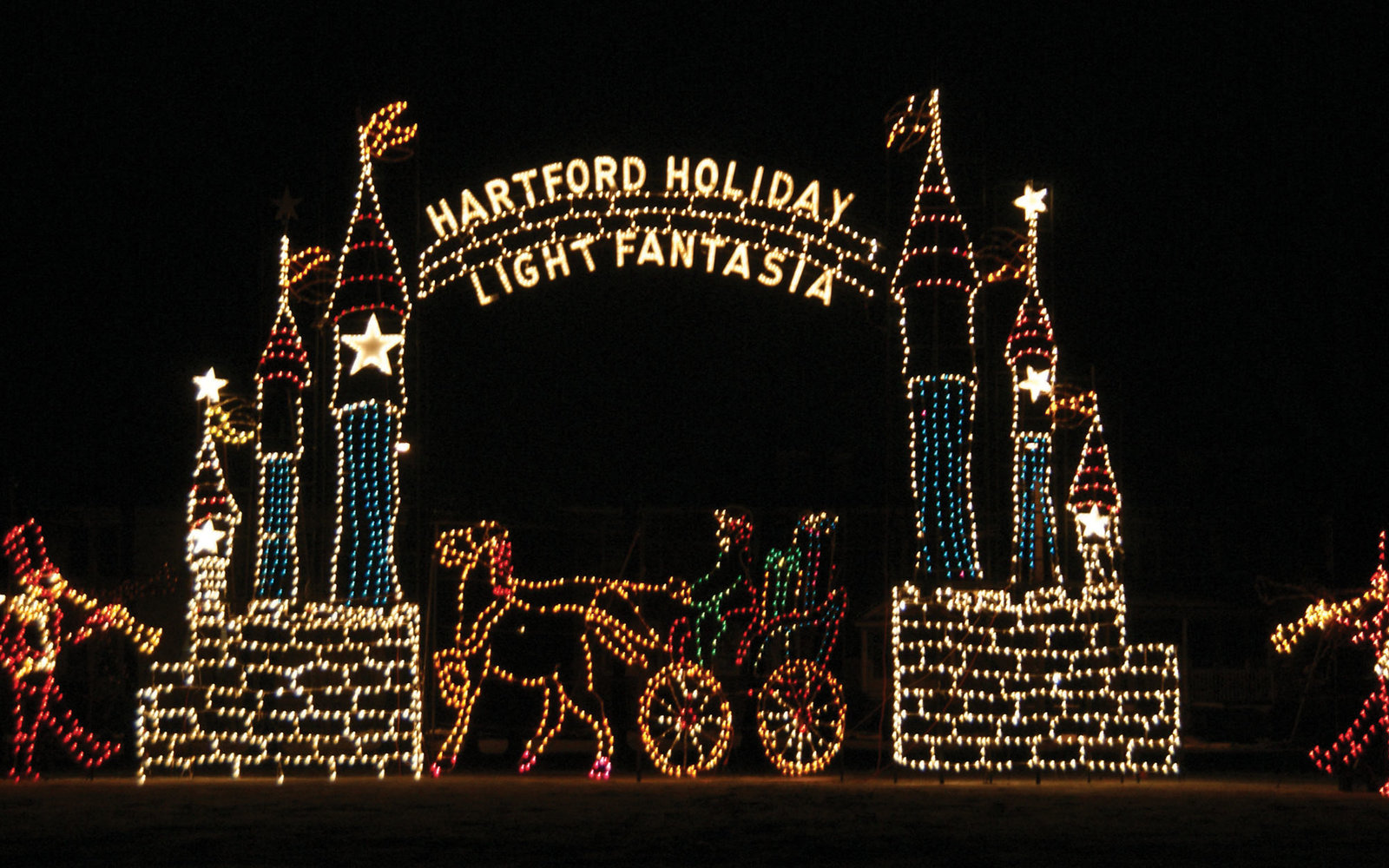 the best christmas light displays in every state travel leisure