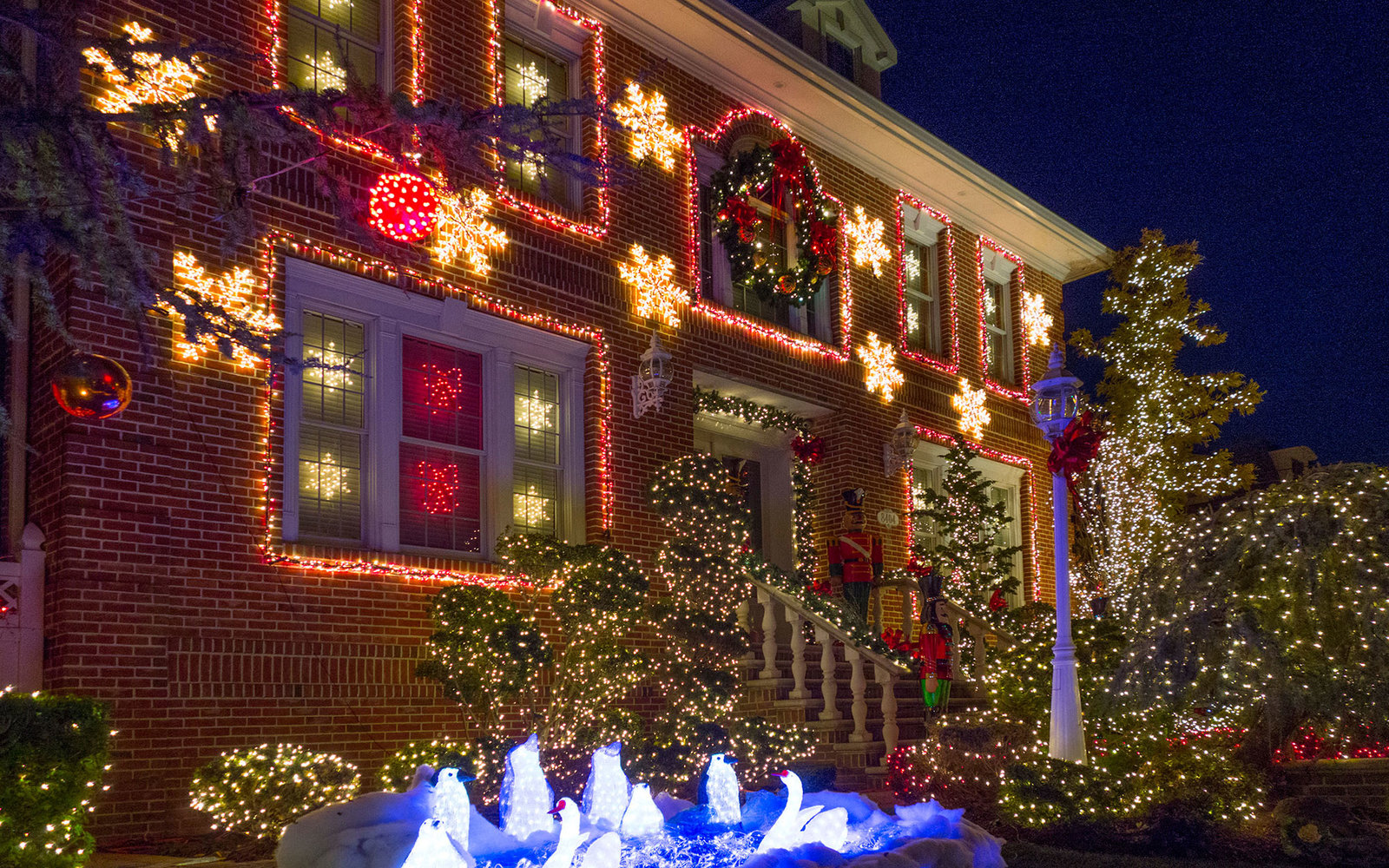 DWAKRX Christmas lights in Brooklyn New York