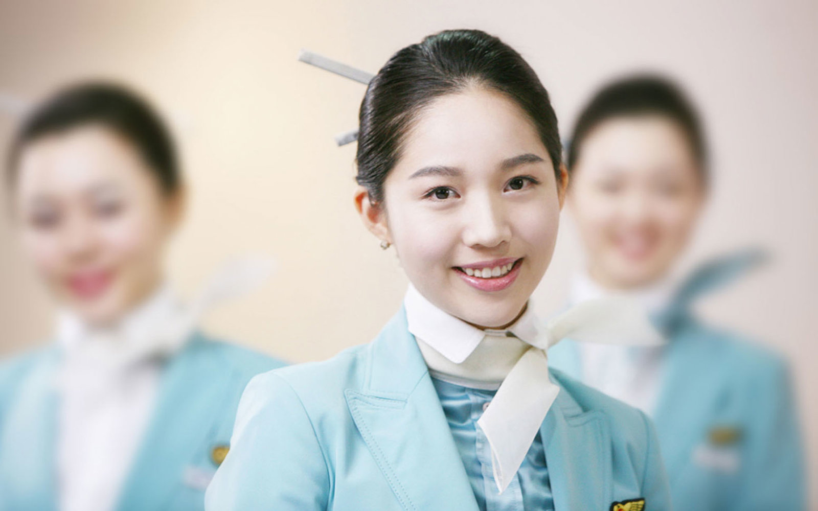 1000  images about Cabin Crew ,, on Pinterest | Flight attendant ...