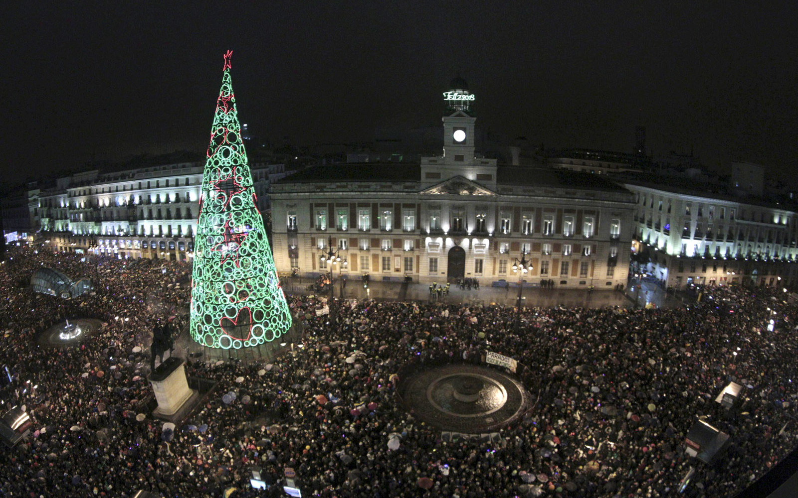 Puera del Sol Plaza New Years Madrid