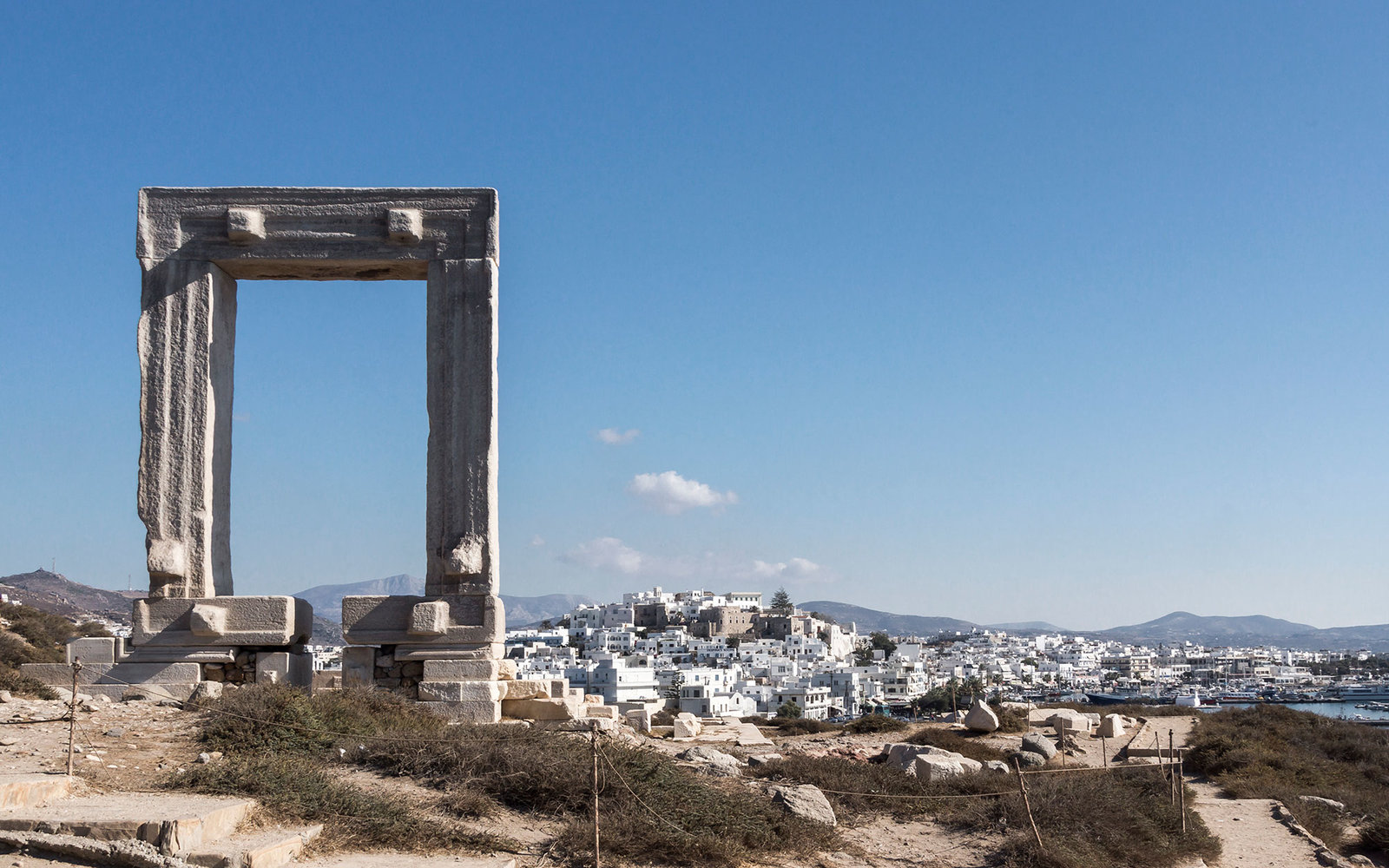 Greece, Cyclades, Naxos, Gate to the temple of Apollo