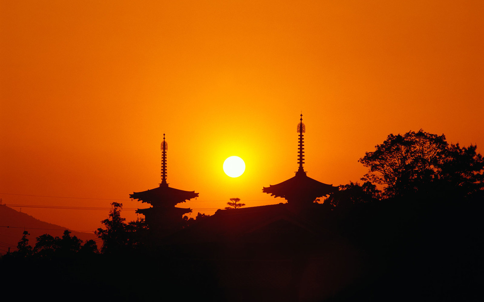 Japan, Nara Prefecture, Nara, Yakushiji Temple, sunrise